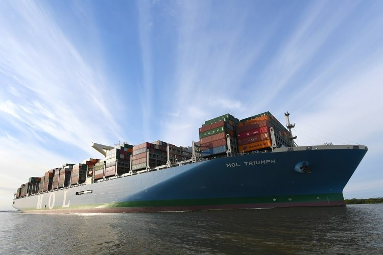 mol-triumph-worlds-largest-container-ship-learnsailor
