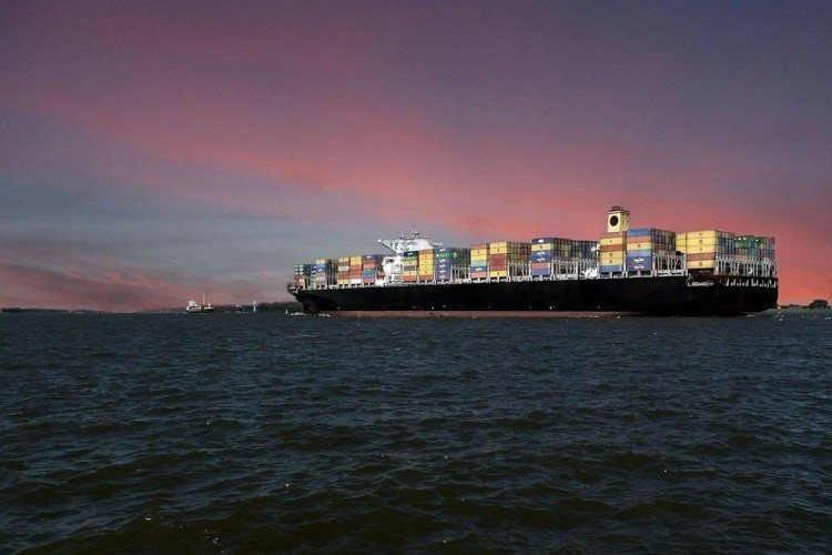 world's-largest-container-ship-learnsailor